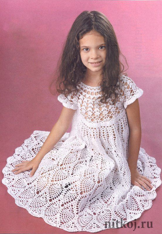 Вязание спицами и крючком платья для девочек 865