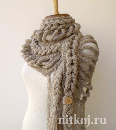 Берет вязан спицами и шарфик