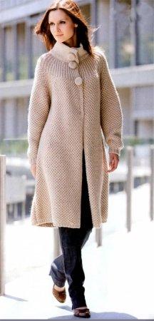Классическое пальто спицами