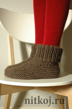 Теплые носки на двух спицах