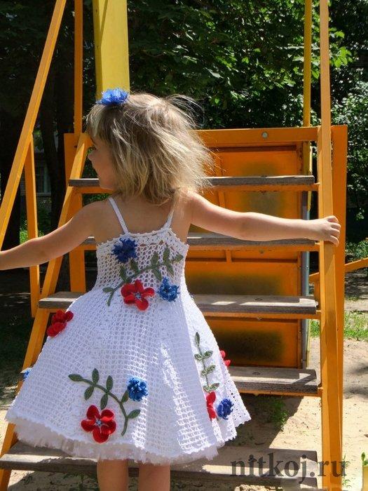 Вязание крючком нарядное белое платье для девочки