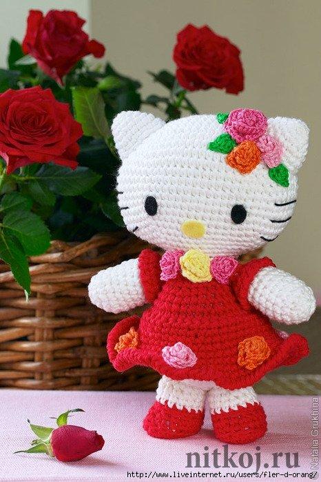 Кошечка Hello Kitty в нарядном платье крючком » Ниткой ...