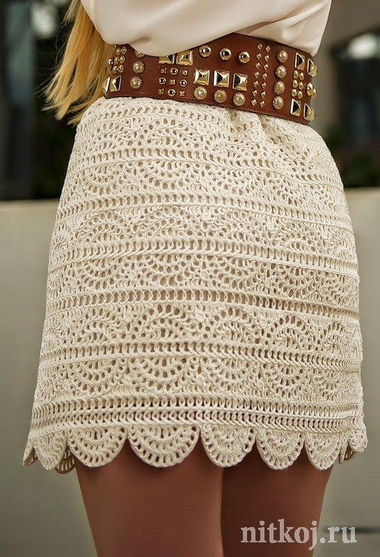 Белая вязанная юбка