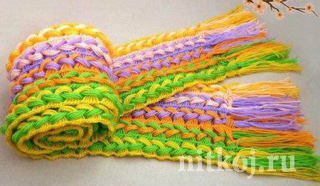 Веселый вязаный шарфик