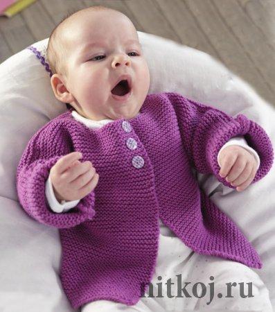 Вязаное пальто для девочки спицами со схемой