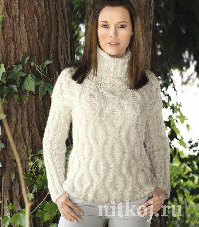 Белый свитер с широкими «косами»
