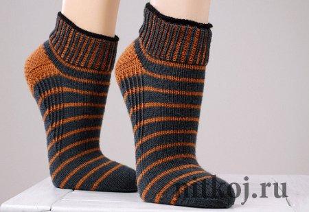 Вязание носков с укрепленной пяткой. Спицы.